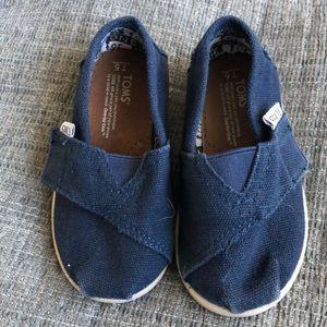 Toms toddler shoe
